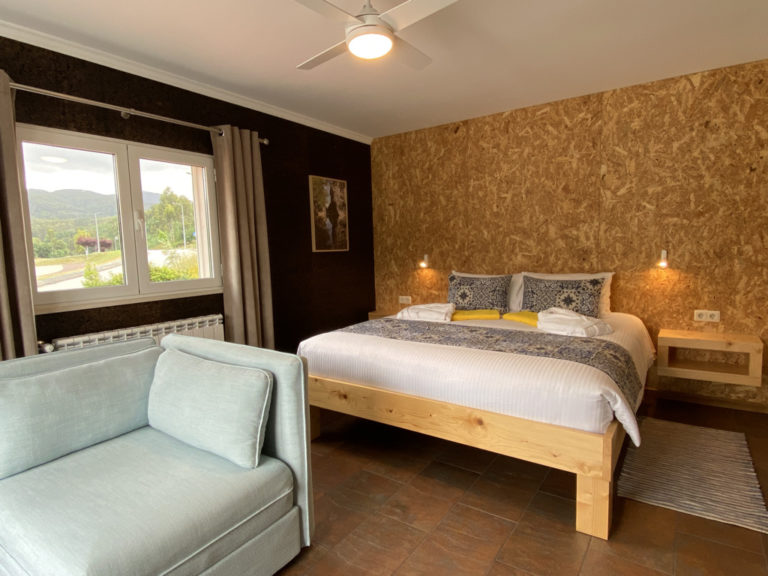 Room 6 – Suite deluxe (4 or 5 guests)